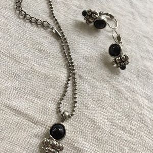 Premier Designs Necklace and earrings set